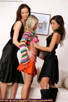 Sapphic Erotica gorgeous lesbian girls