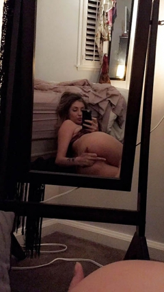 Blonde bimbo slut - takes naked selfies
