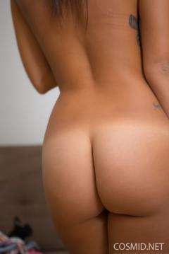 sasha_tight_round_butt