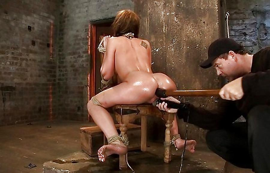 порно фото привезали к стулу