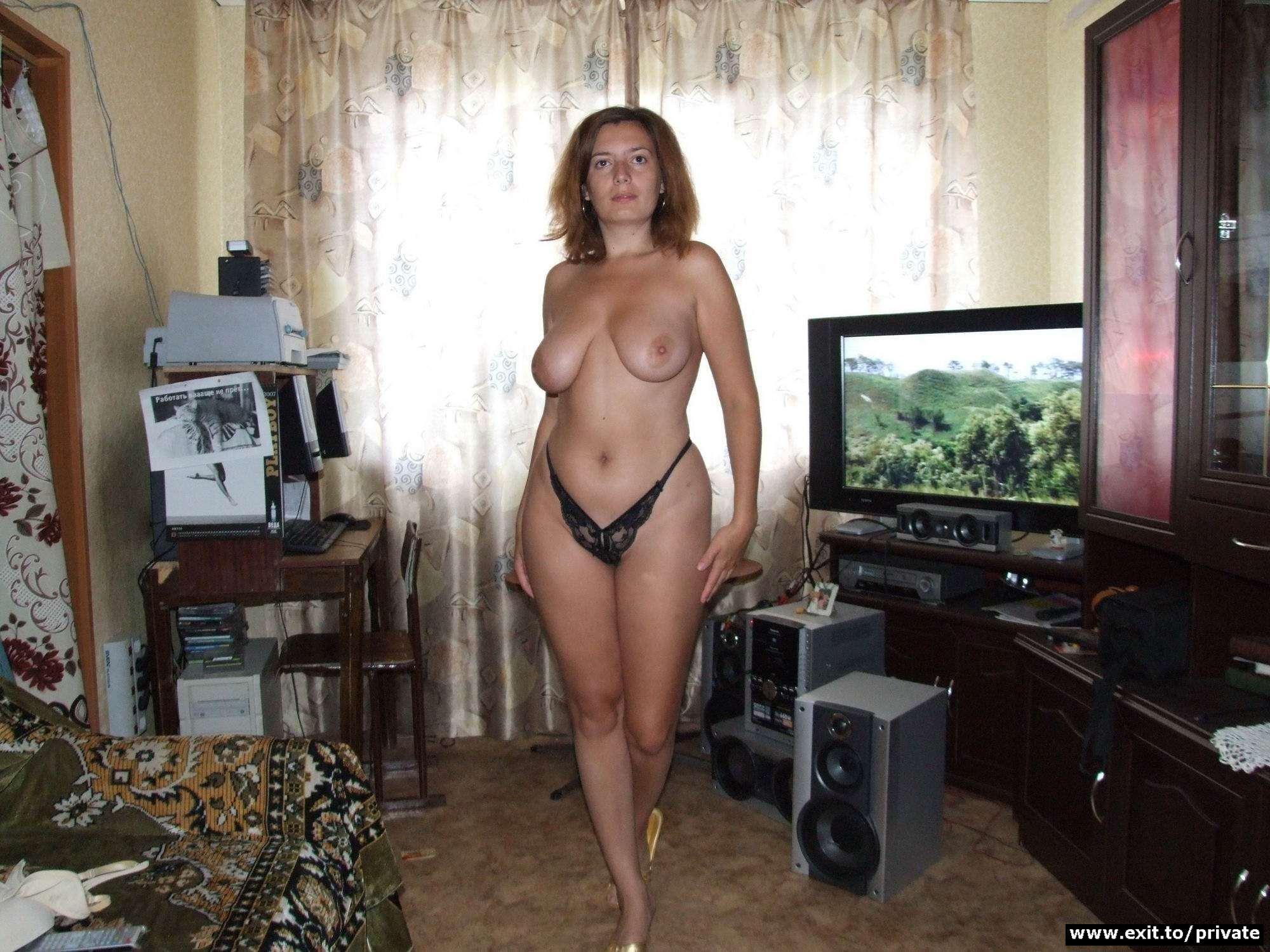 Частные интимные фото зрелых женщин в домашней обстановке 21 фотография