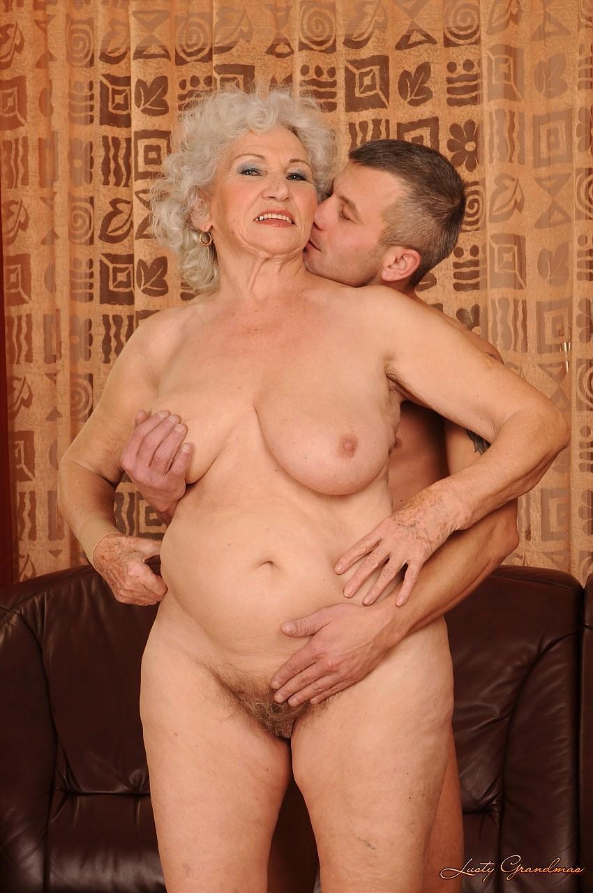 Внук и бабушка секс