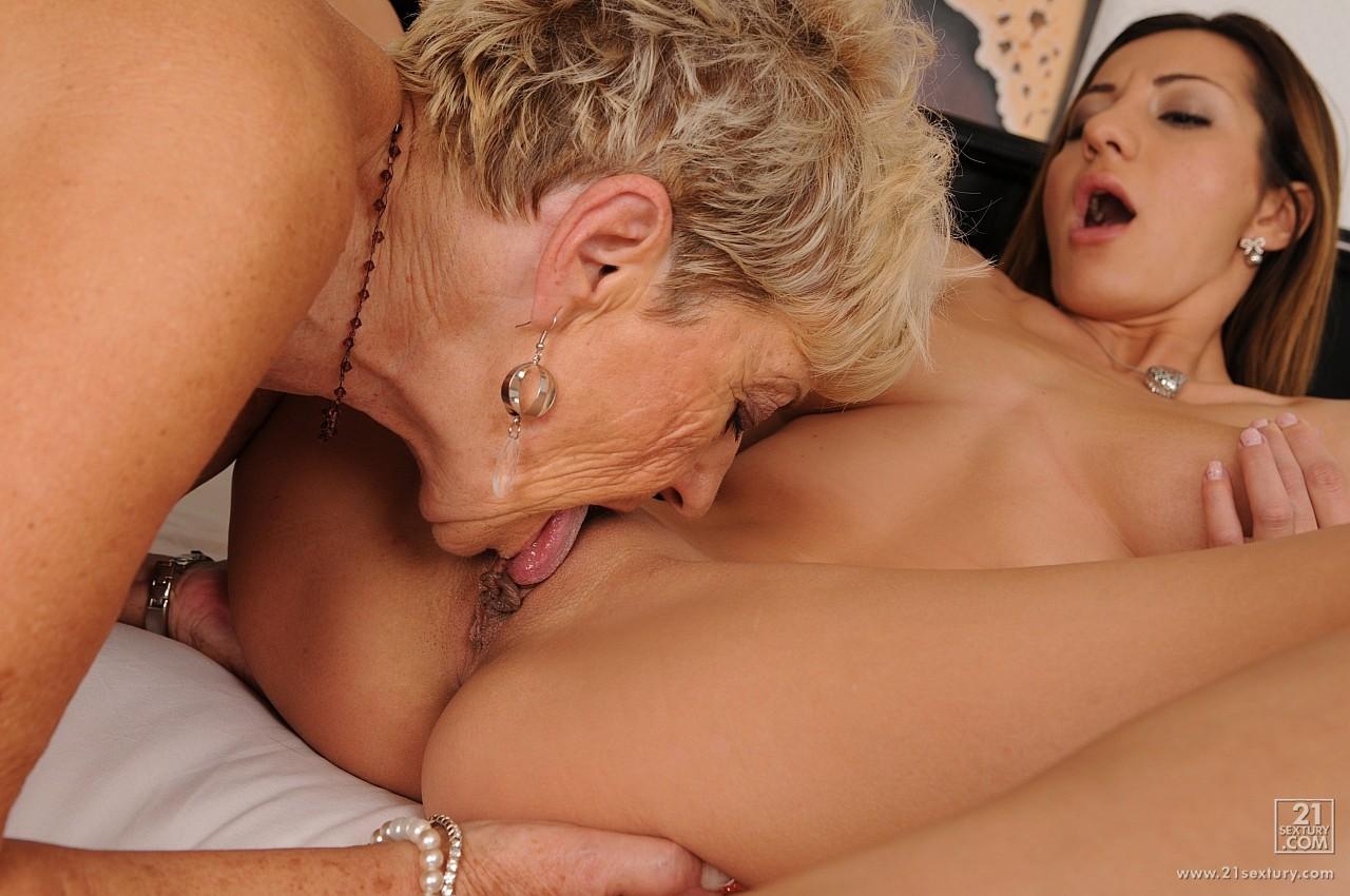 babushki-lesbiyanki-video-onlayn