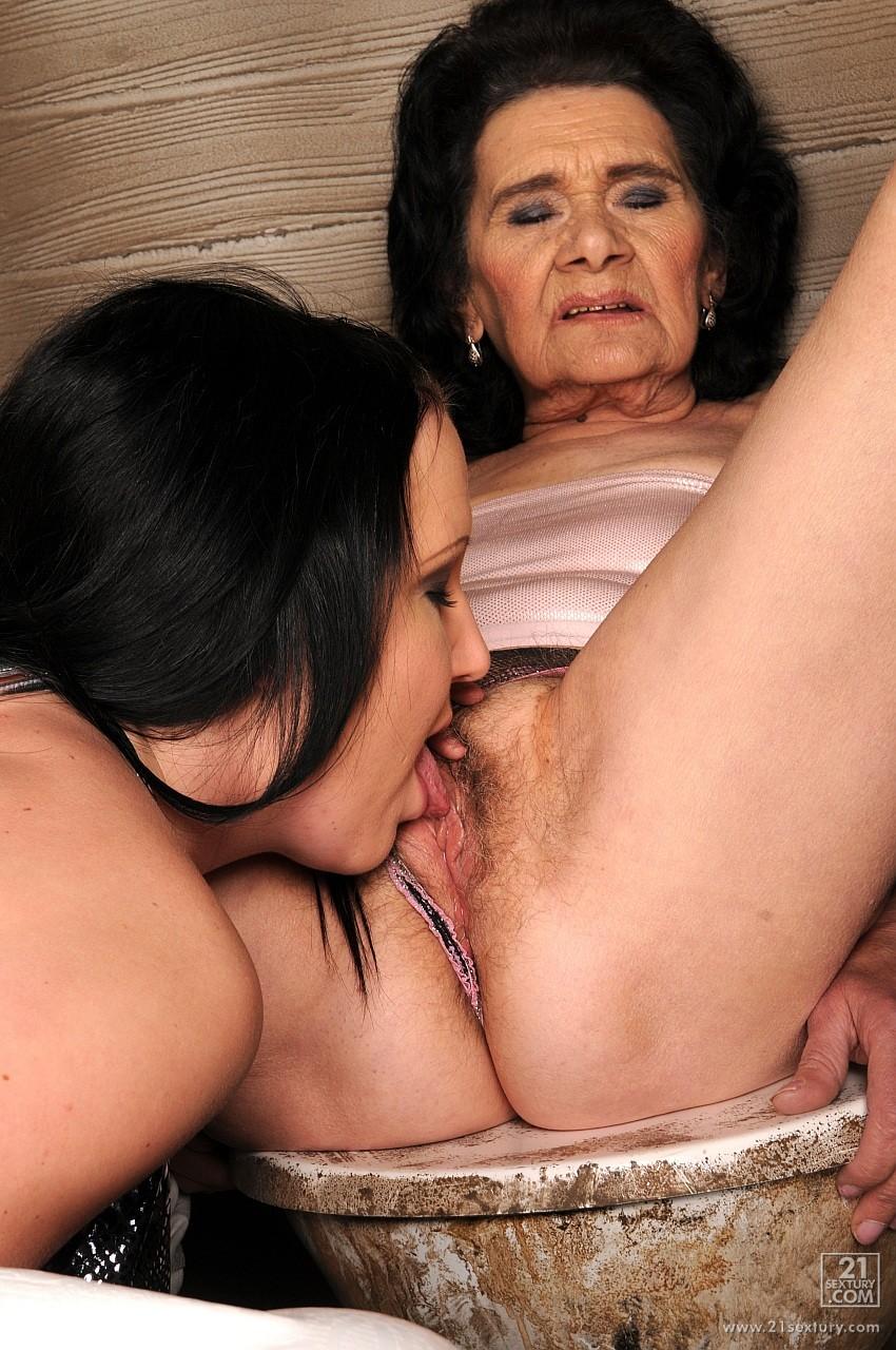 mama-i-babushka-lesbiyanki