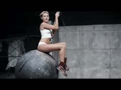 miley-cyrus-naked-in-her-new-music-video