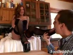 sensual milf foot play