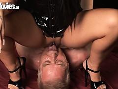 dominating-threesome