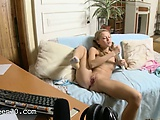 18yo amateur girl pose for webcam