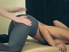 amazing-enchanting-lesbians-in-pantyhose