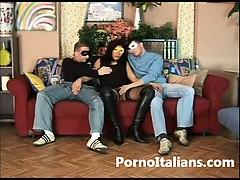 amatortiale-italiano-moglie-milanese-scopa-con-due-amanti