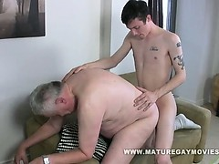 fat-daddy-gets-his-ass-fucked