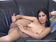 masturbation-teacher-reveals-her-entire-curves-as-she-demos