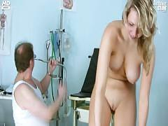 candie-visiting-her-gyno-doctor-for-pussy-speculum-gyno-exam
