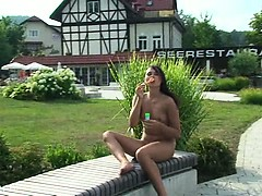 italien-babe-alena-naked-on-public-streets
