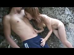 sexy-japanese-chick-loves-outdoor