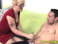amateur-mature-milf-with-glasses-jerking-dong
