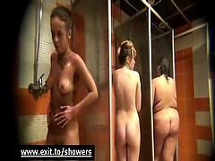 spy-cam-caught-amateurs-girls-in-public-shower