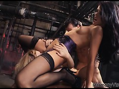 kinky-masked-guy-gets-his-dick-sucked-by-beauties