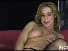 blonde-slut-in-stockings-dildos-her-pussy-for-show