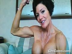 muscular-mature-woman-flexing
