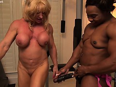 wildkat-and-nadia-have-an-interesting-workout-time