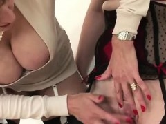 lady-sonia-fingers-redhead-slut