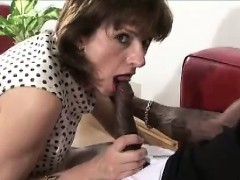 lady-sonia-sucks-black-cock