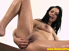 piss-fetish-babe-plays-with-speculum