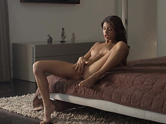 wet-orgasm-of-exotic-beauty-stripping