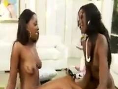 gorgeous-ebony-lesbians