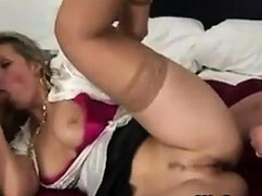 milf-in-a-threesome-gets-creampied