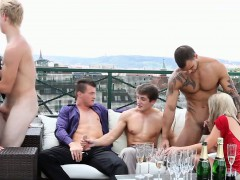 bisex-babe-gobbles-cock-among-orgy