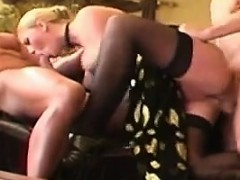 blonde-bitch-in-a-threesome