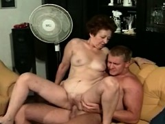 granny gives and gets hot oral granny sex movies