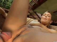 hot-mother-i-d-like-to-fuck-with-trimmed-love-tunnel