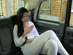 amateur-tattooed-customer-nailed-in-the-backseat-of-the-cab
