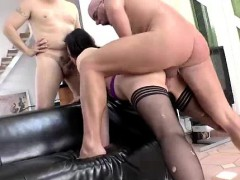 mature-british-lady-ass-fucked-in-threesome