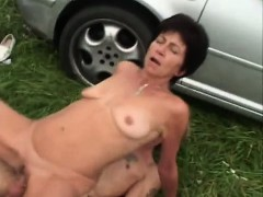 old-milf-takes-cumshot-in-face
