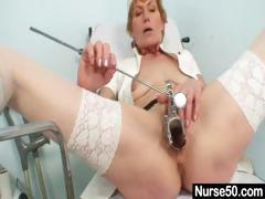 old-mom-self-exam-on-gynochair-with-speculum