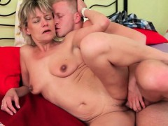 mom-needs-no-strings-attached-sex