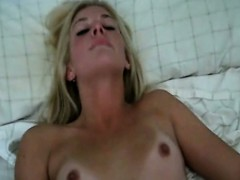 very-horny-leanna-leigh-fingers-her-pussy-to-orgasm