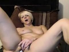 very-hot-amateur-webcam-babe-103