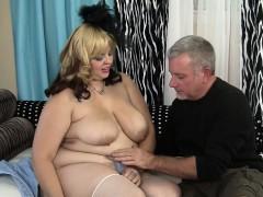 sexy-chubby-model-buxom-bella-has-sex