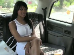 curvy-amateur-chick-pussy-fucked-and-jizzed-on-the-cab