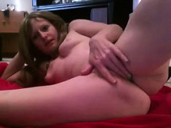 hot-milf-toys-her-pussy-with-glass-dildo