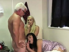 older dude cums for british cfnm girls from blowjob