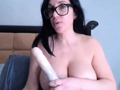big-tits-on-the-webcam-girl-playing