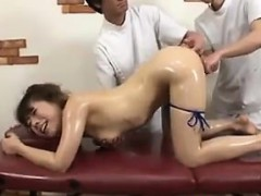 japanese-girl-gets-a-body-and-pussy-massage