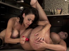lesbian-milf-mckenzie-lee-gets-what-she-wants