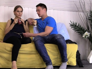 Kinky XXX girlfriend gets her pussy smashed on the sofa